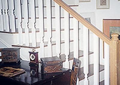 מעקה מעץ בוק העשוי בחריטה-דגם איטלקי
