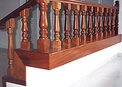 עץ ספלי (מהגוני)-דגם סביון